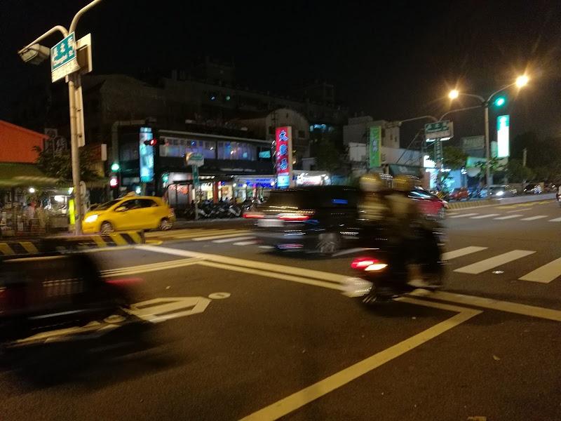 台湾のバイク標識の絵(ピクトグラム)が適当すぎてヤバかった