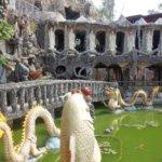 山の上の珊瑚で出来たお寺「石頭廟」